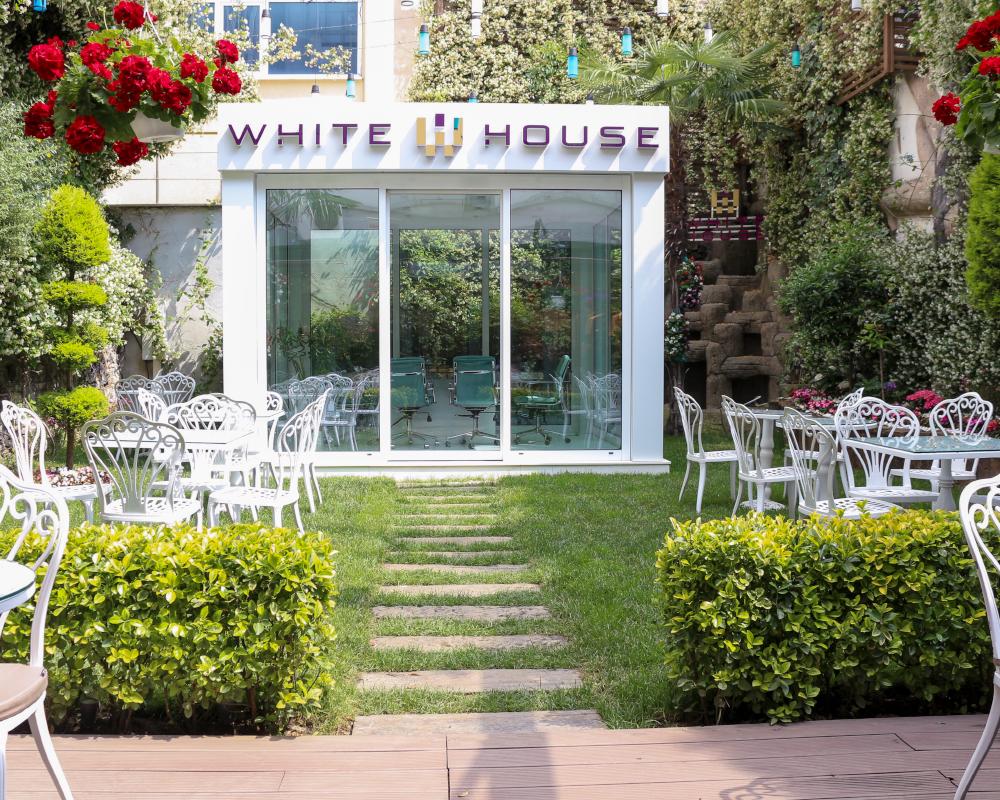 White House Cafe 1